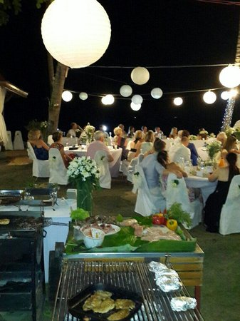 Lipa Lodge Beach Resort : Nice very good party .