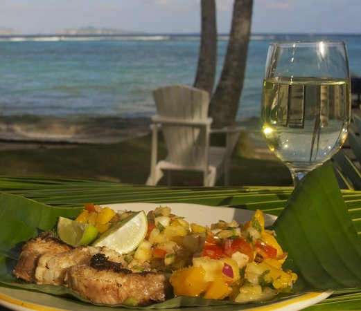 Sugar Reef Cafe: Shark steak served with pineapple salsa