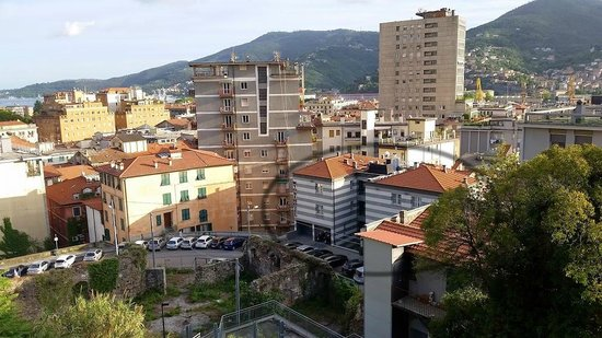 CDH Hotel La Spezia : Hotels and its sourroundings.