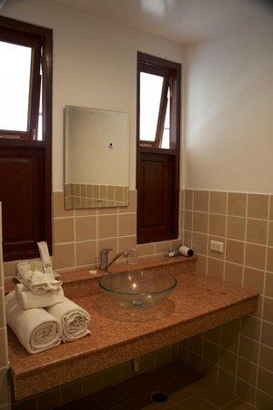 رويال إمباسي ريزورت آند سبا: Bathroom - C7 (1 bedroom apartment)