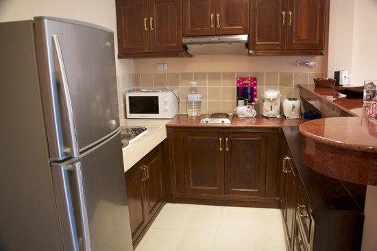 The Pe La Resort : Kitchen - C7 (1 bedroom apartment)