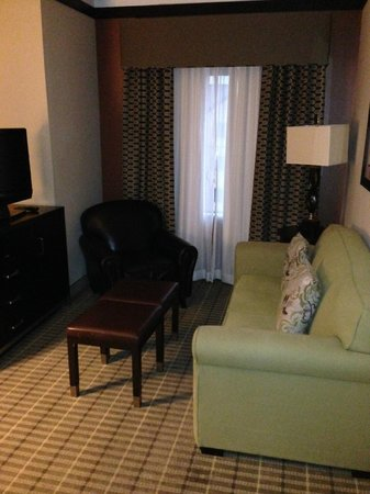 StayBridge Suites DFW Airport North : Sitting area