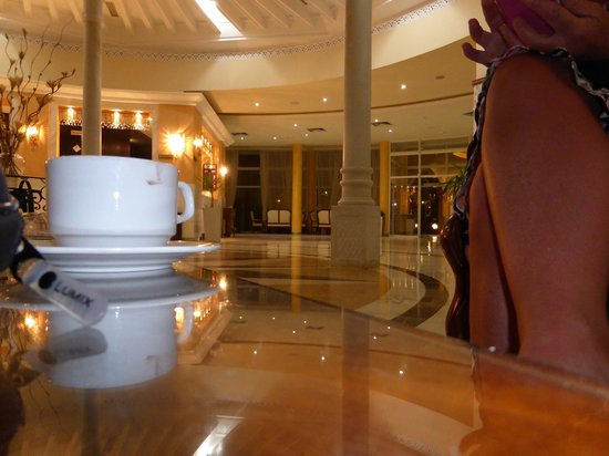 Hotel Abou Sofiane : Reception behind coffee cup (sorry)