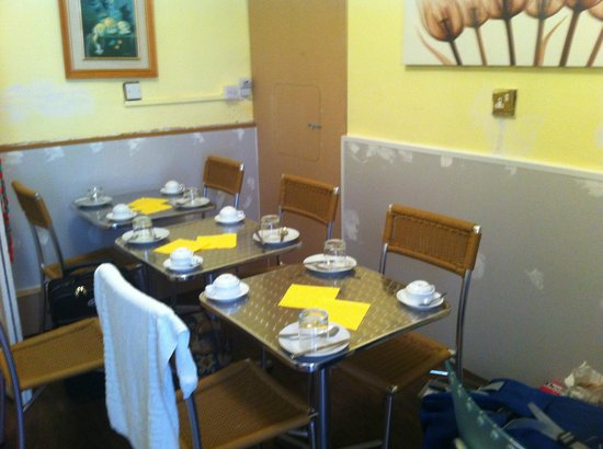 Gilmore City Centre Guest House: The lovely dining room