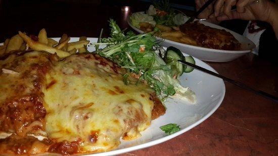 Cicerello's: Chicken Parmigiana
