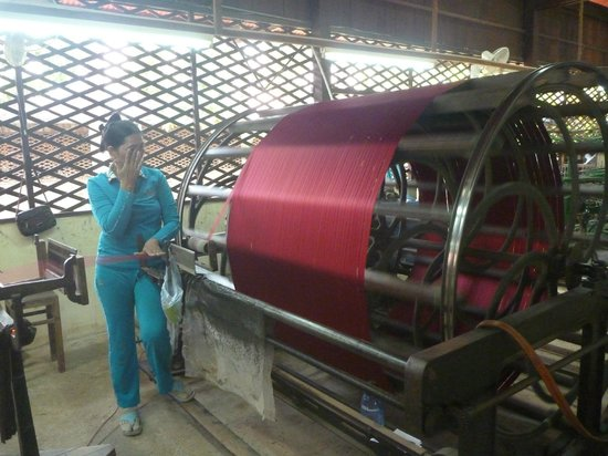 Angkor Silk Farm : Silk Thread on a spindle