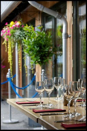 Mains of Taymouth Courtyard Restaurant: The Courtyard Bar & Restaurant, Kenmore