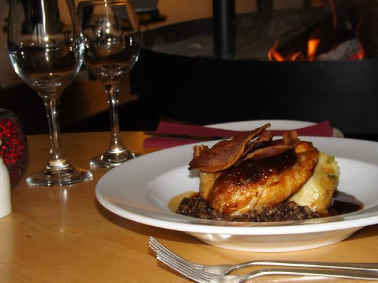 Mains of Taymouth Courtyard Restaurant: Dinner in our restaurant at The Courtyard Bar & Restaurant, Kenmore