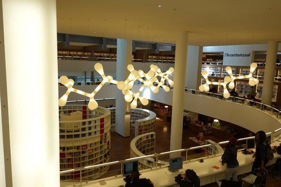 Bibliothèque centrale (Openbare Bibliotheek) : overlooking children's section from 1st floor