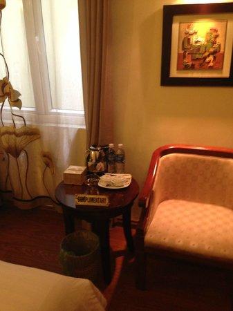 Hanoi Charming 2 Hotel : комната