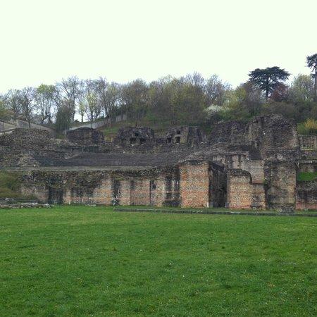 Theatres Romains de Fourviere: Ampitheater