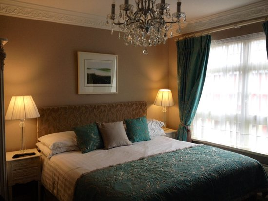 MacNean House & Restaurant: Beautiful Room