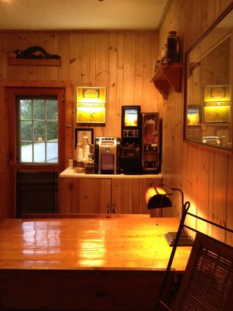 Mitchell's Lodge & Cottages: Tea and juice