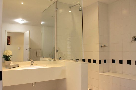 The New Tulbagh Hotel: Shower