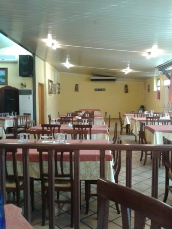 Caffe Olympia: La sala da pranzo.