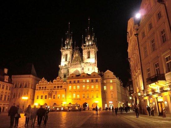 Old Town Square : 旧市街広場ライトアップ2