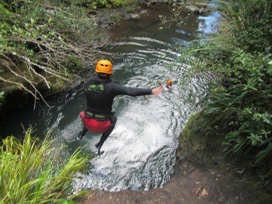 AWOL Canyoning Adventures : Jumping