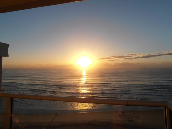 Beachfront Viscount: Daybreak on my balcony...Just beautiful