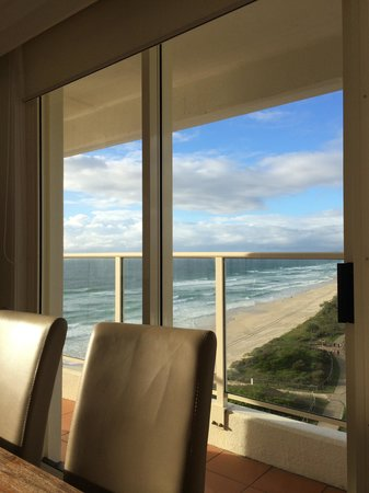 Beachfront Viscount: Breakfast...what a great view