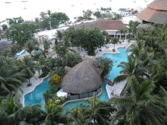 Grand Park Royal Cozumel: Our room view!
