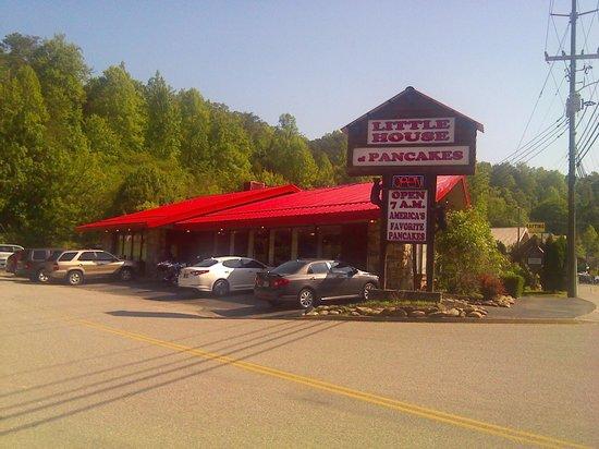 Little House of Pancakes : Local Restaurant