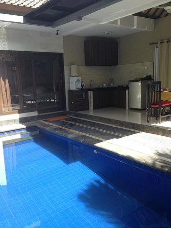 Samaja Beachside Villas: outside kitchenette