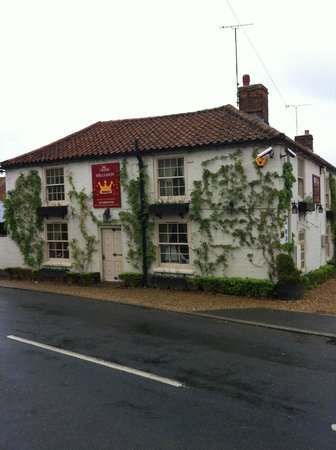 The King William IV Country Inn & Restaurant: View from across road