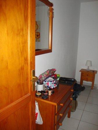 La Penita Apartments: Dressing table