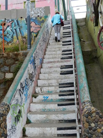 Piano steps in Valparaiso
