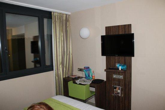 Hotel Le Quercy : intérieur chambre