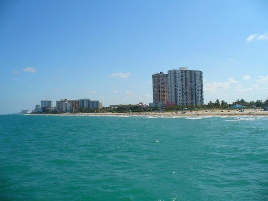 Pompano Municipal Pier: Beach View from Pier
