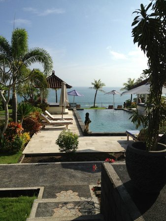 Uluwatu Cottages : pool view