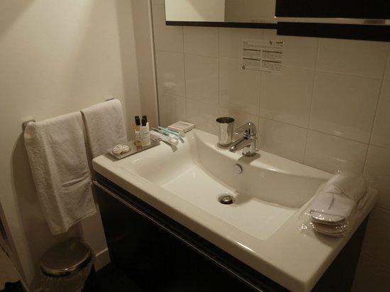 Five Rooms B&B: Salle de bains