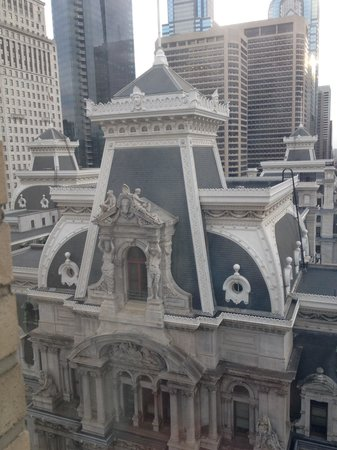 Residence Inn Philadelphia Center City: View of town hall from our room
