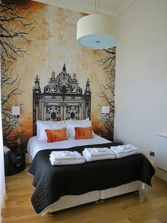 10 Clarendon Crescent: La chambre