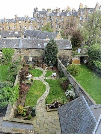 10 Clarendon Crescent: Le jardin