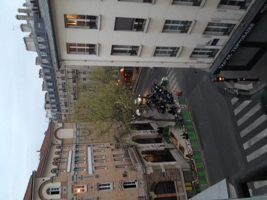 Outside picture of blc design hotel paris tripadvisor for Bic design hotel