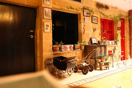 Luciano Valletta Boutique Accommodation : Atrium area on 3rd Floor