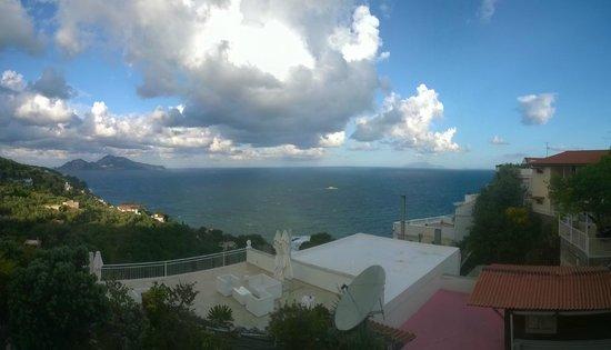 Francischiello Hotel & Spa Bellavista : vista dalla terrazza con piscina