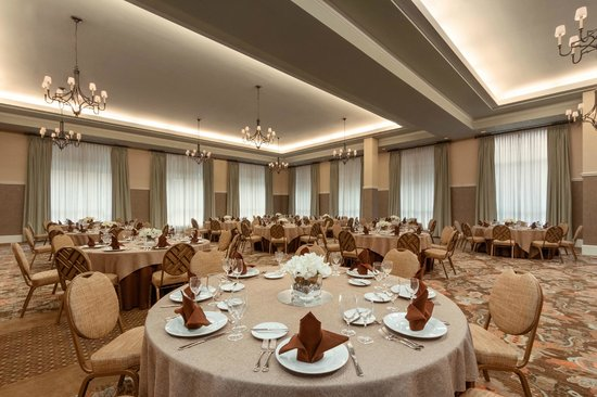 Embassy Suites by Hilton Savannah: Ballroom - Round Tables