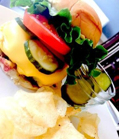 Classic burger homemade chips and house pickles for lunch for Canape wilmington nc