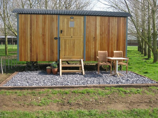 Dawn Chorus Holidays - The Pines: Suffolk shepherd's hut