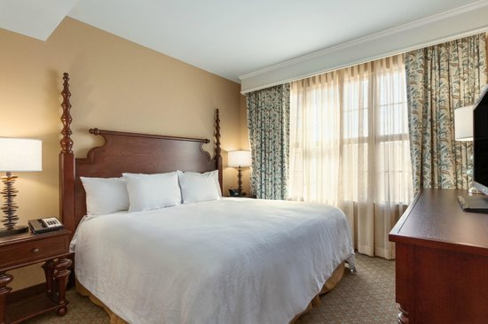 Suite 2 Queen Beds Picture Of Embassy Suites By Hilton Savannah Savannah