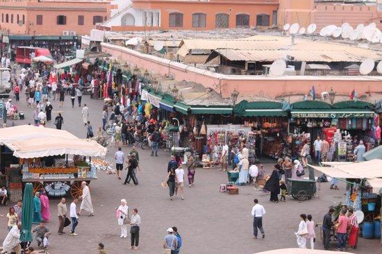 Taj'in Darna: Une vue imprenable sur la place Jemaa Efna