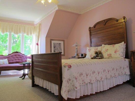 The Maple Inn : Pink Rose Room