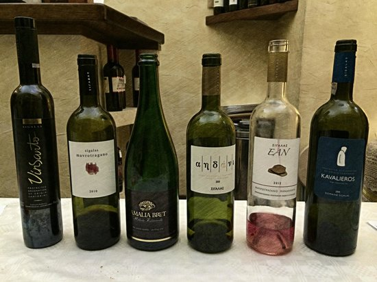 Enoteca Vini Vizi e Virtu: 'Resti' della degustazione dei vini di Santorini. Eccellenti!