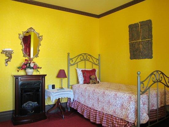 The Maple Inn : Raspberry Room