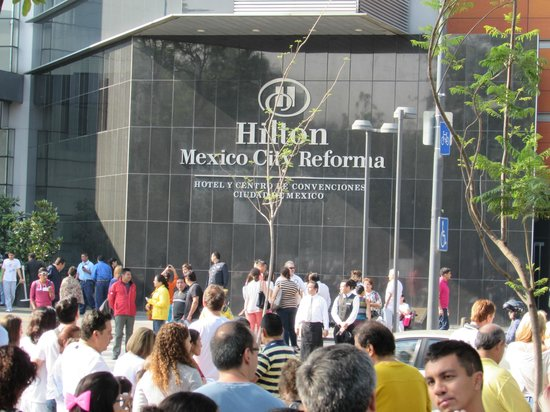 Hilton Mexico City Reforma: View from outside hotel during earthquake