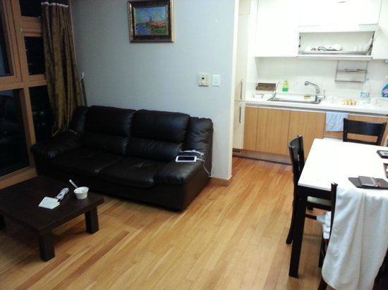 Brown Suites Residence: Main room