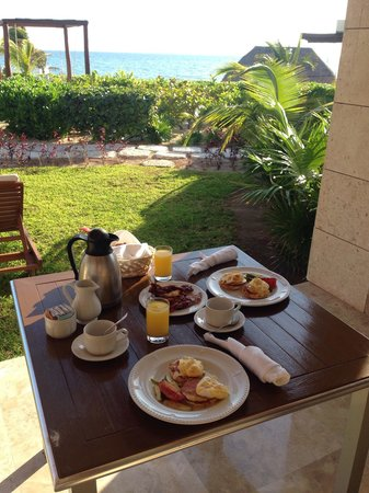 Excellence Playa Mujeres: Loved room service